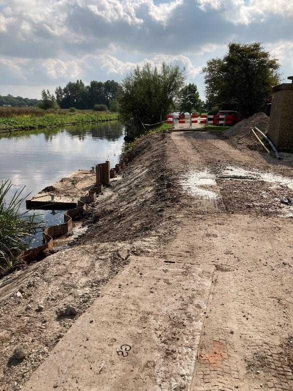 Het oude gemaal aan de Lettelberterdijk wordt ontmanteld, de waterdoorvoer is verwijderd.